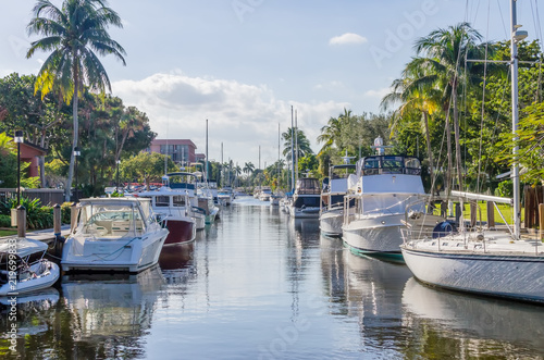View of canal with boats in the Fort Lauderdale area Slika na platnu