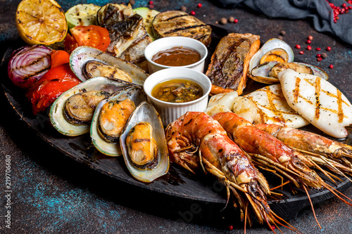 Seafood grilled on plate Slika na platnu