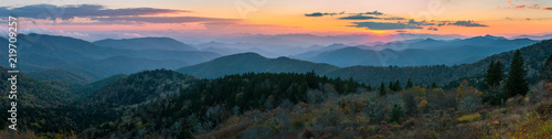 Foto auf Leinwand Gebirge Blue Ridge Mountains scenic sunset