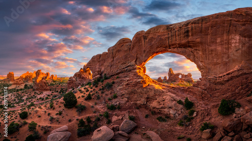 Fényképezés Natural arch at sunset, Arches National Park, Utah