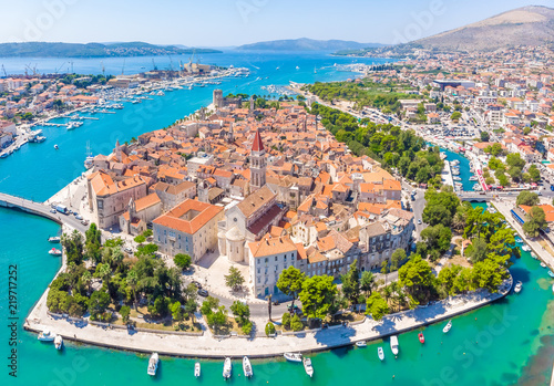 Spoed Fotobehang Europese Plekken Aerial view of Trogir in summer, Croatia