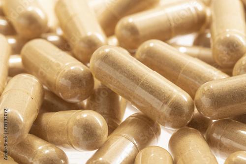 Fotografia  pile of of pill capsules