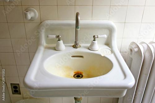 Farmhouse Bathroom Sink With Old Rust