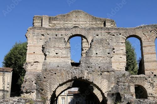 Fotografie, Obraz  Bordeaux Palais Gallien Architecture romaine