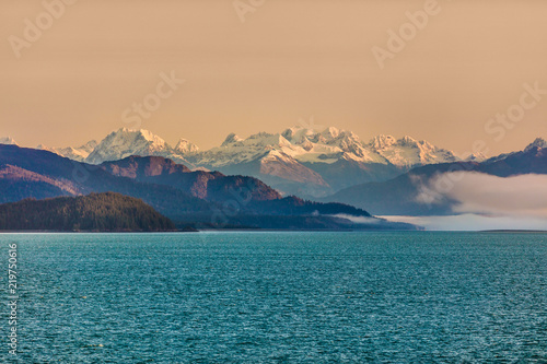 Foto op Plexiglas Arctica Alaska mountains cruise nature landscape in inside passage, Glacier bay, Alaska, USA. America wilderness background.