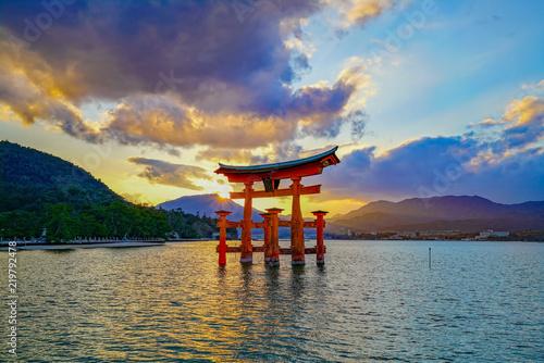 Obraz na płótnie 厳島神社 (Itsukushima Shrine)