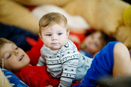 aba8a8295813 Little kid boy hugging with newborn baby girl