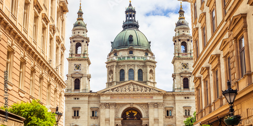 Foto auf AluDibond Budapest St. Stephen's Basilica on the Pest side of Budapest, Hungarian architecture
