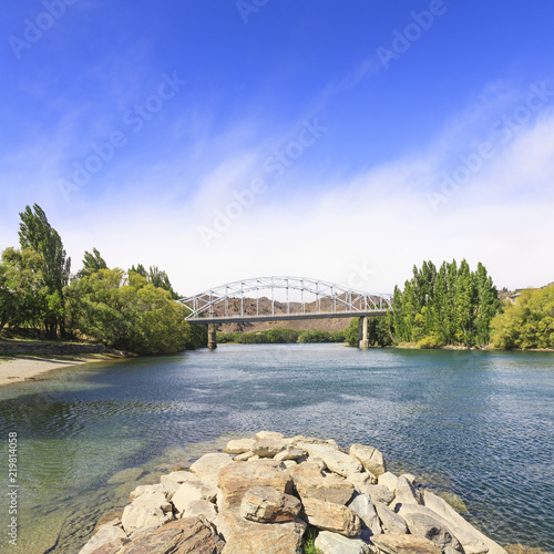 Photo  The bridge over the Clutha River  at Balclutha, Otago, New Zealand