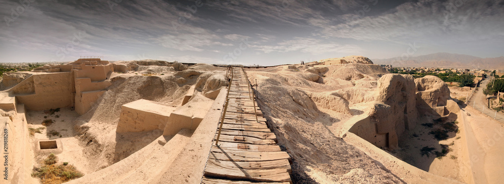 Fototapety, obrazy: Tepe Sialk ancient archeological ziggurat in Kashan, Iran