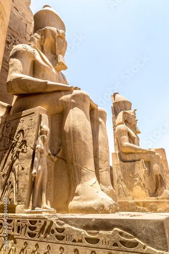 Foto op Aluminium Historisch mon. Pharaoh Rameses II Statue in Luxor Temple, Egypt