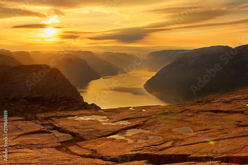 Sonnenaufgang vom Preikestolen Fototapeta