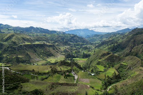 In de dag Zuid-Amerika land Canyon du rio Toachi, Quilotoa, Équateur