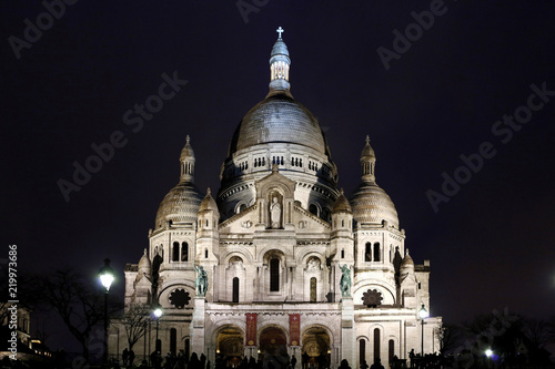 Paris, 18th district, Montmartre, Basilica of Sacred Heart at night.