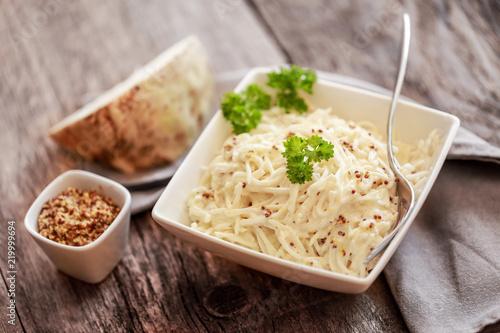 céleri rémoulade mayonnaise (entrée roide)