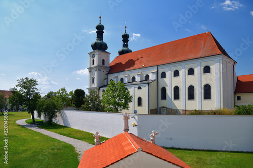 Basilika Basilika zu Mariä Geburt in Frauenkirchen im Burgenland Fototapet
