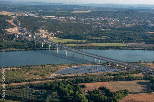 Fotografia  vue aérienne du pont du TGV à Avignon en France