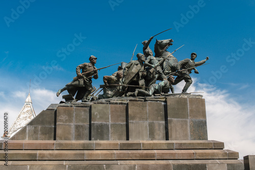 Granite monument to Chapaev. Canvas-taulu