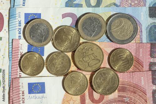 Fotografie, Obraz  Euro-Banknoten und Euro-Münzen