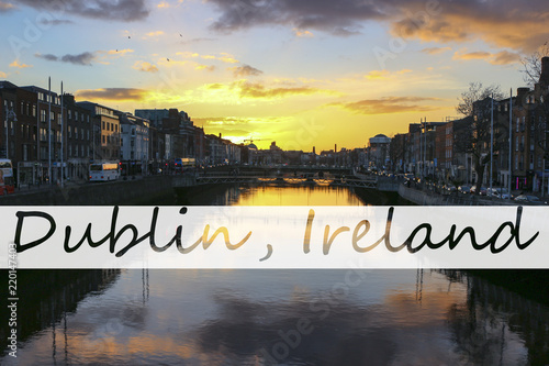 Fototapeta Dublin night scene with Ha'penny bridge and Liffey river lights