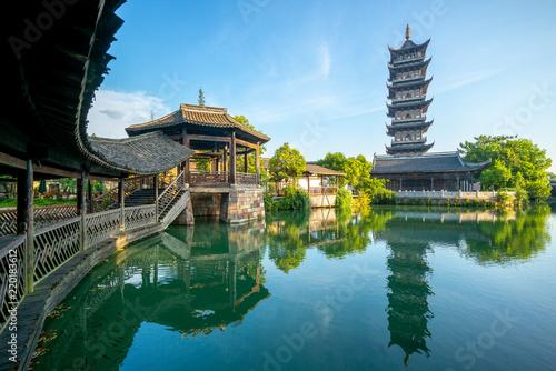 Carta da parati  bailian temple in wuzhen, a historic scenic town