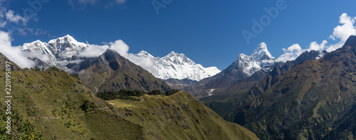 Photo  Panoramic view of Himalayas mountain including Everest, Lhotse, Taboche, Ama Dab