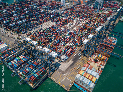 Tuinposter Poort Drone fly over container terminal port in Hong Kong