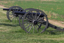 Two Cannons Sit At Gettysburg PA
