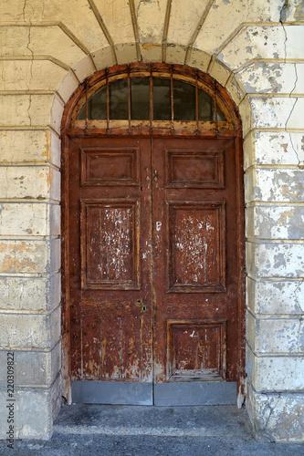 Valokuvatapetti Old grunge door in Cape Town, South Africa