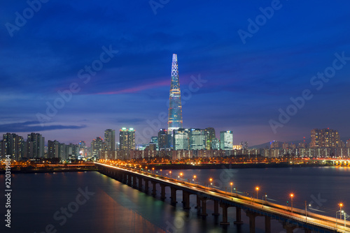 Deurstickers Stad gebouw South Korea skyline of Seoul, The best view of South Korea with Lotte world mall at Jamsil.