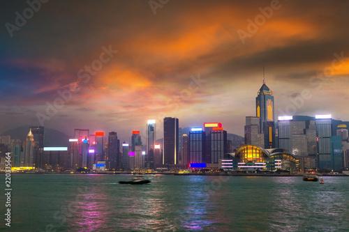 Staande foto Aziatische Plekken Victoria Harbour in Hong Kong