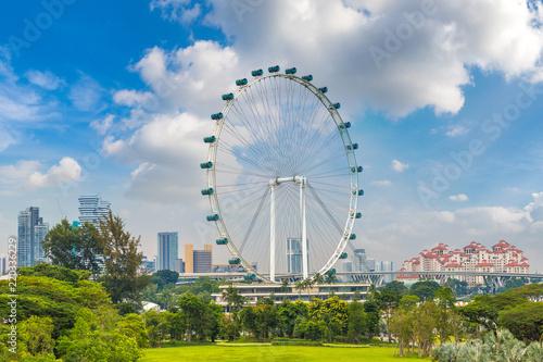Staande foto Aziatische Plekken Ferris wheel - Singapore Flyer in Singapore