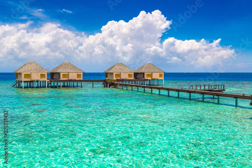 Foto auf AluDibond Reef grun Water Villas (Bungalows) in the Maldives