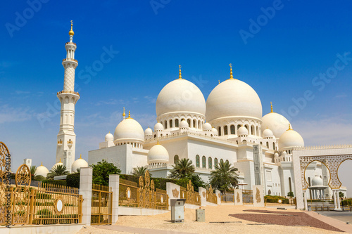Wall Murals Abu Dhabi Sheikh Zayed Grand Mosque in Abu Dhabi