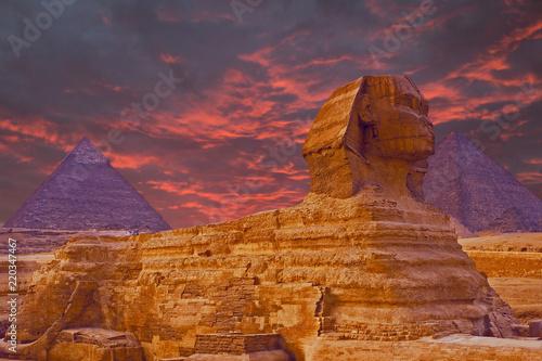 Cadres-photo bureau Egypte View of the Sphinx Egypt, The Giza Plateau in the Sahara Desert