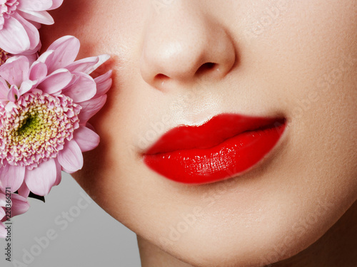 Canvastavla Lips with flower