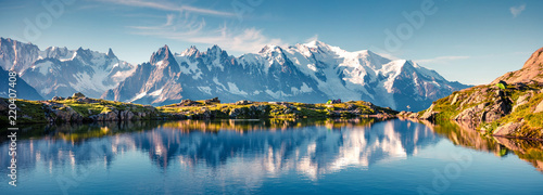 Tuinposter Blauwe jeans Colorful summer panorama of the Lac Blanc lake with Mont Blanc (Monte Bianco) on background