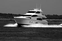 High Speed Yacht Cruising On T...