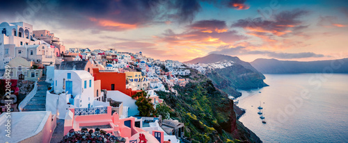 Foto auf Gartenposter Santorini Great morning panorama of Santorini island. Picturesque spring sunrise on the famous Greek resort Oia, Greece, Europe. Traveling concept background. Artistic style post processed photo.