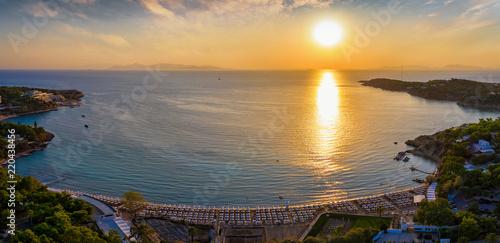 Der Astir Strand in Vouligameni bei Athen während eines Sommer Sonnenunterganges Canvas Print