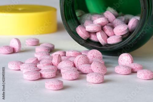 Fotografie, Obraz  Vitamin B12 tablets