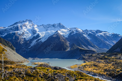 Tuinposter Oceanië Glacial lake in Hooker Valley Track, Mount Cook, New Zealand