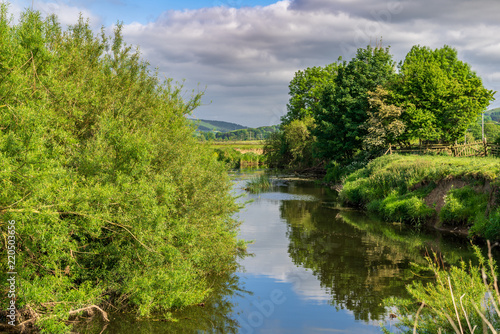 Foto  Landscape near Skipton, with the River Aire, North Yorkshire, England, UK