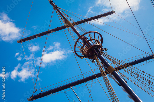 Keuken foto achterwand Schip Mast of old sailing ship against sky
