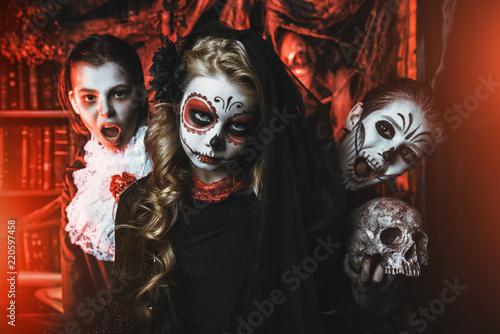 Spoed Fotobehang Halloween kids celebrating halloween