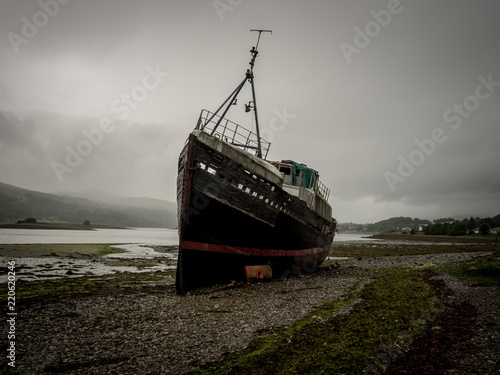 Old shipwreck at the scottish coast near Fort William Canvas Print