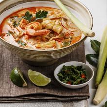 Tom Yam Kung Spicy Thai Seafoo...