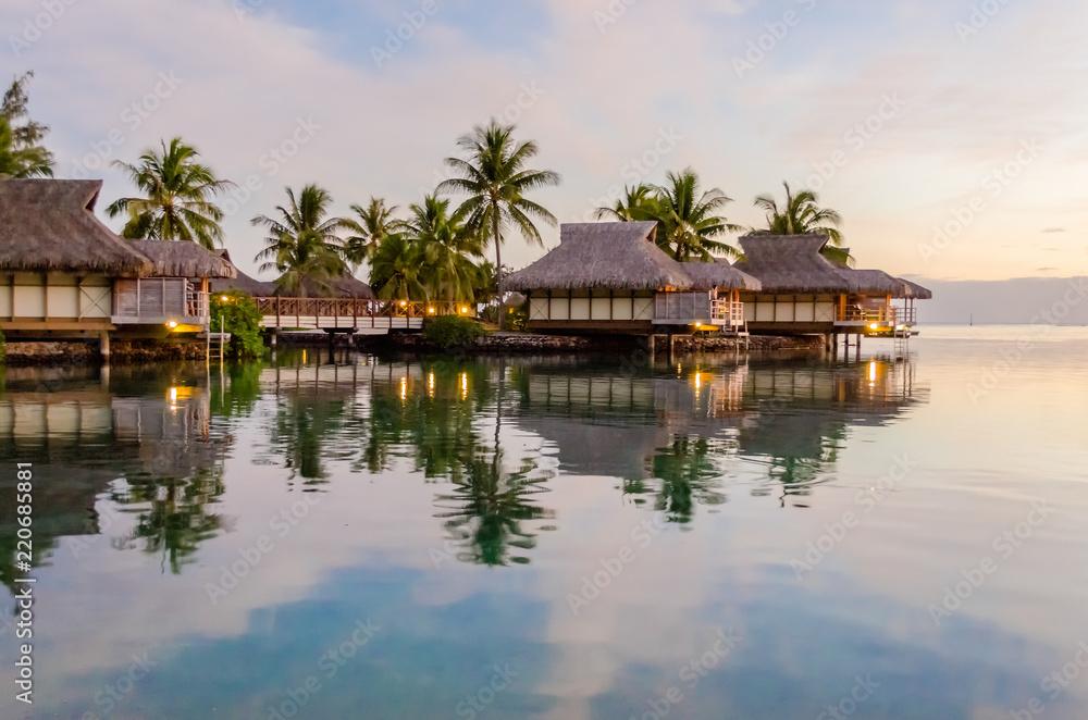 Fototapety, obrazy: Overwater bungalows, French Polynesia