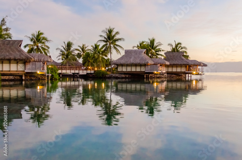 Fototapeta Overwater bungalows, French Polynesia