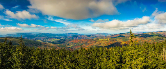 Jesienna panorama Beskidów
